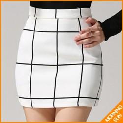 2015-new-fashion-british-style-autumn-winter-black-white-corlor-elegant-ladies-plaid-skirts-0252-1