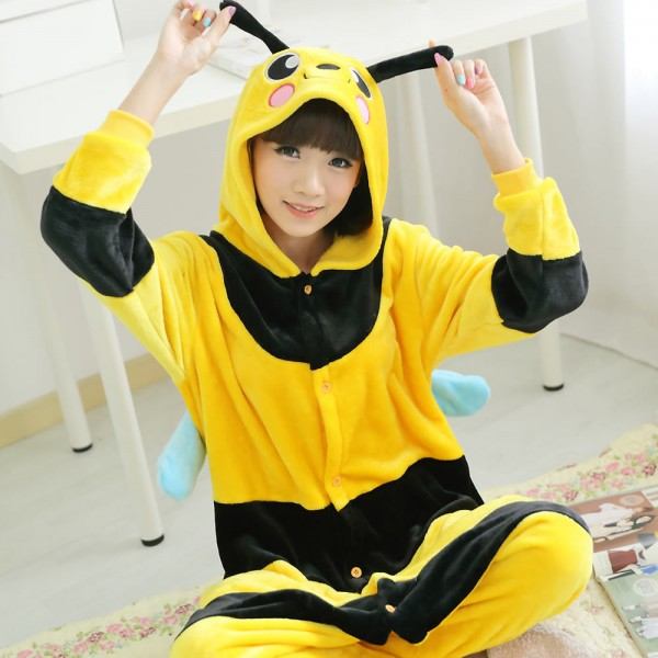 2015-Winter-Flannel-Small-Bee-Woman-Homewear-Pajamas-Soft-Cartoon-Costume-Kigurumi-Onesies-Pajamas-Combinaison-1