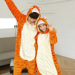 Cosplay-Kigurumi-Women-and-Men-Pyjamas-Onesies-animals-set-Pajama-Tigger-Pajamas-Christmas-panda-Pijama-flannel-1