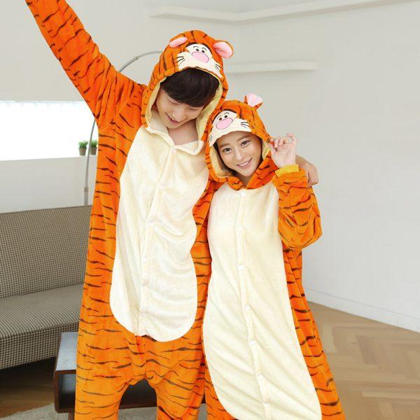 Cosplay-Kigurumi-Women-and-Men-Pyjamas-Onesies-animals-set-Pajama-Tigger-Pajamas-Christmas-panda-Pijama-flannel-1