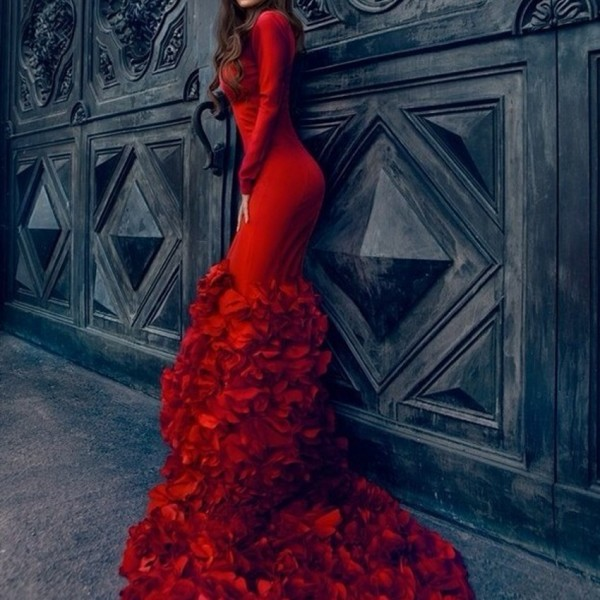 LEV-067-Mermaid-Low-Cut-V-Neck-Long-Sleeve-Long-Red-Evening-Dress-With-Ruffled-Skirt-1