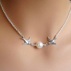 Fashion-Vintage-Contracted-And-Delicate-Threesome-Short-A-Pair-Of-Lovebirds-imitation-pearl-Necklaces-Women-1